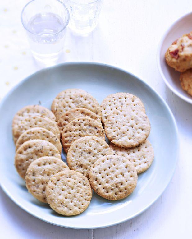 Crackers au thym et à l'ail