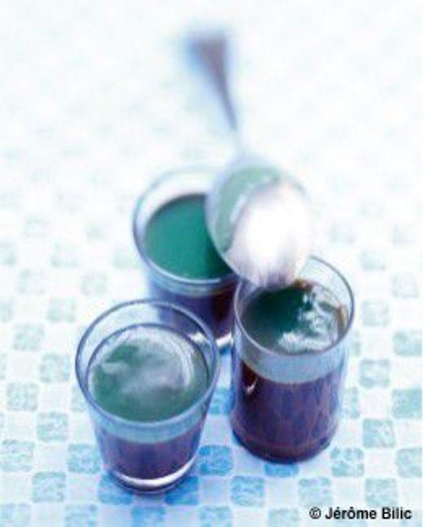 Crèmes au chocolat, confiture litchis-curaçao