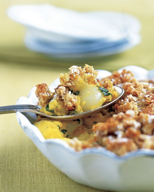 Crumble pommes, oignons et curry