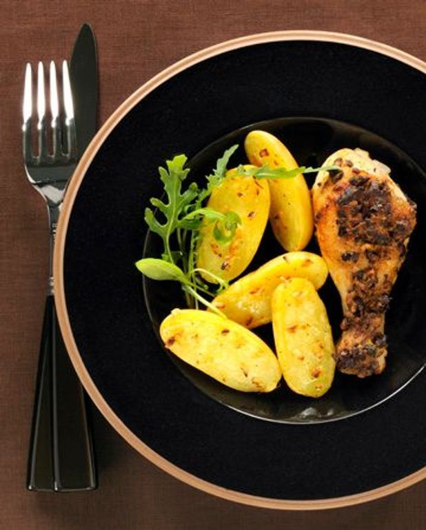 Cuisses de poulet rôti, herbes et grué