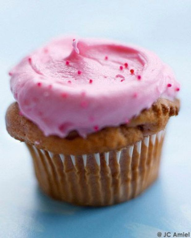 Cupcakes think pink
