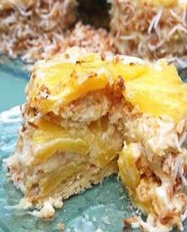 Dacquoise à l'ananas et noix de coco
