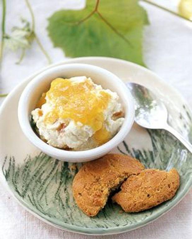 Délice de fromage blanc aux fruits confits et nougat