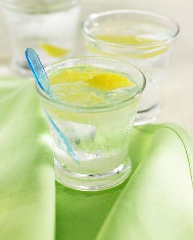 Eau rafraîchissante menthe citron vert