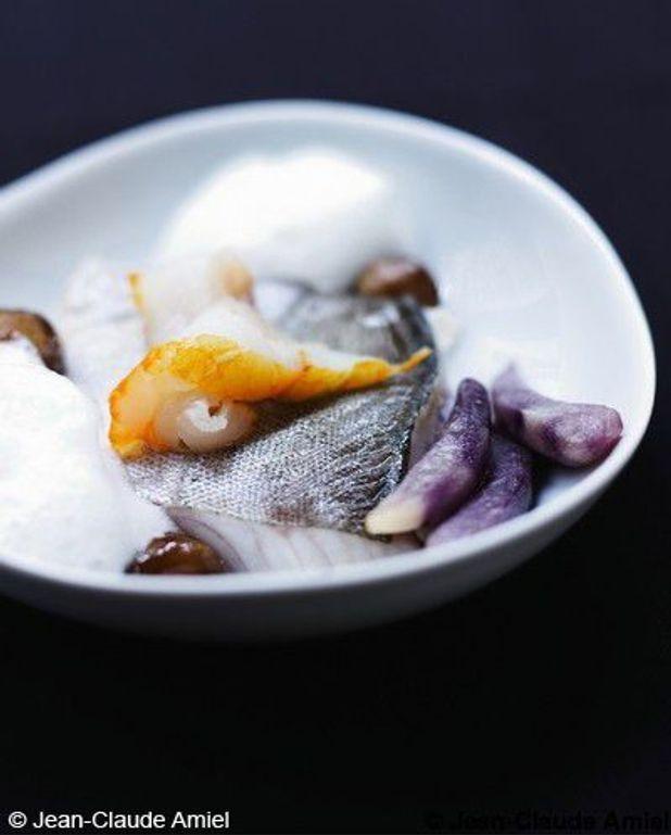 Églefin, haddock, châtaignes et pommes de terre violettes bananes