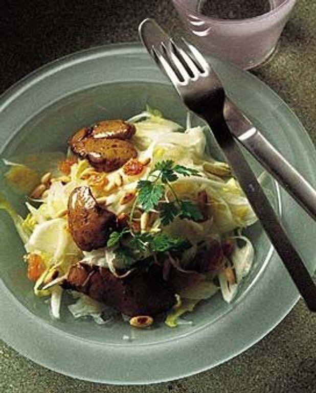 Endives et foies de volaille en salade
