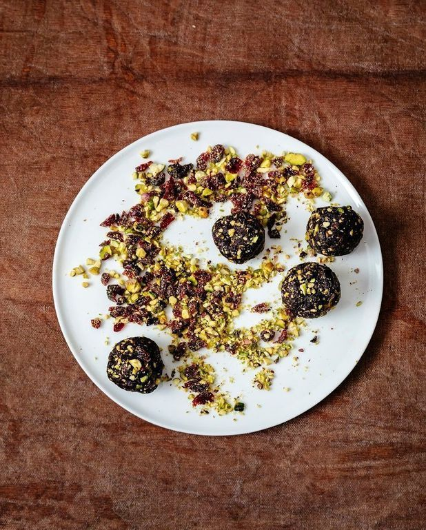 Energy balls, cacao pistaches