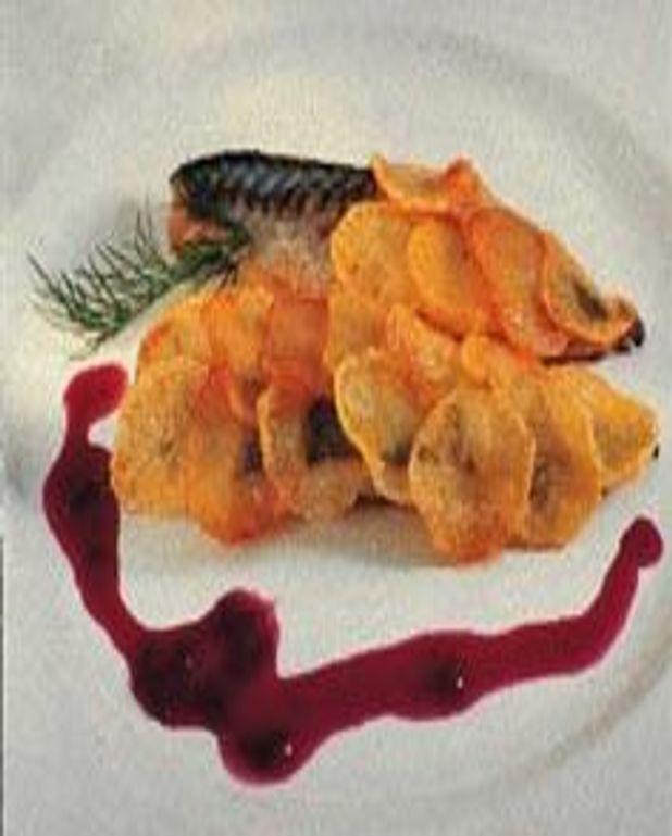 Filet de rouget en ecailles de pommes de terre