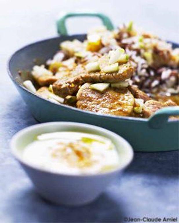 Filet mignon de porc au colombo, riz mélangé aux fruits secs et pomme verte