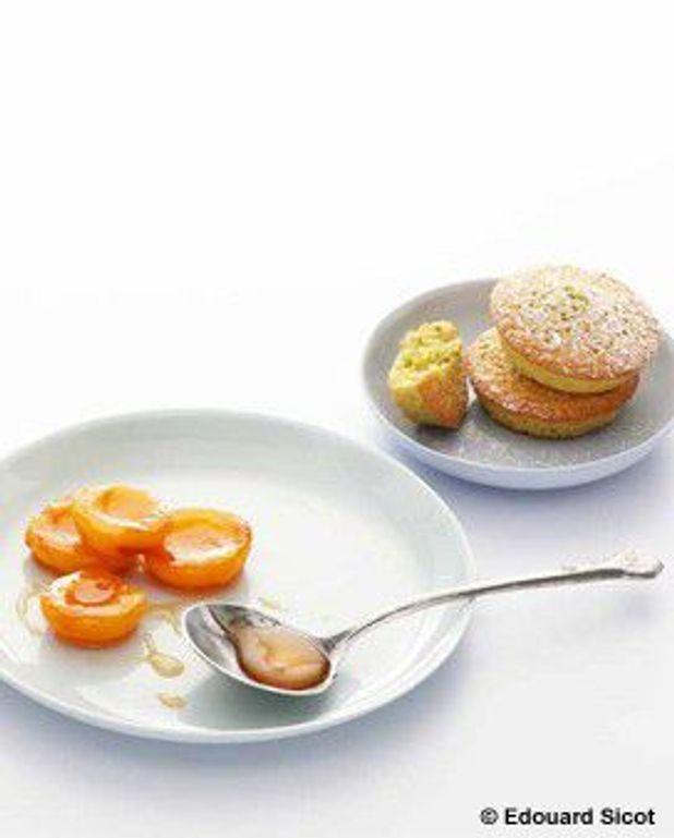 Financiers aux pistaches et abricots caramélisés