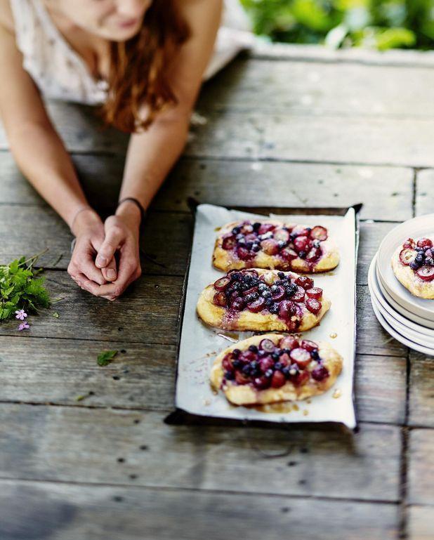 Focaccias sucrées myrtilles-raisin