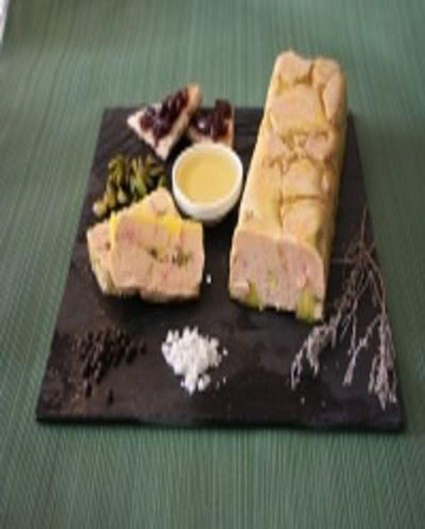 Foie gras au sirop de thym au miel et confit d'oignons