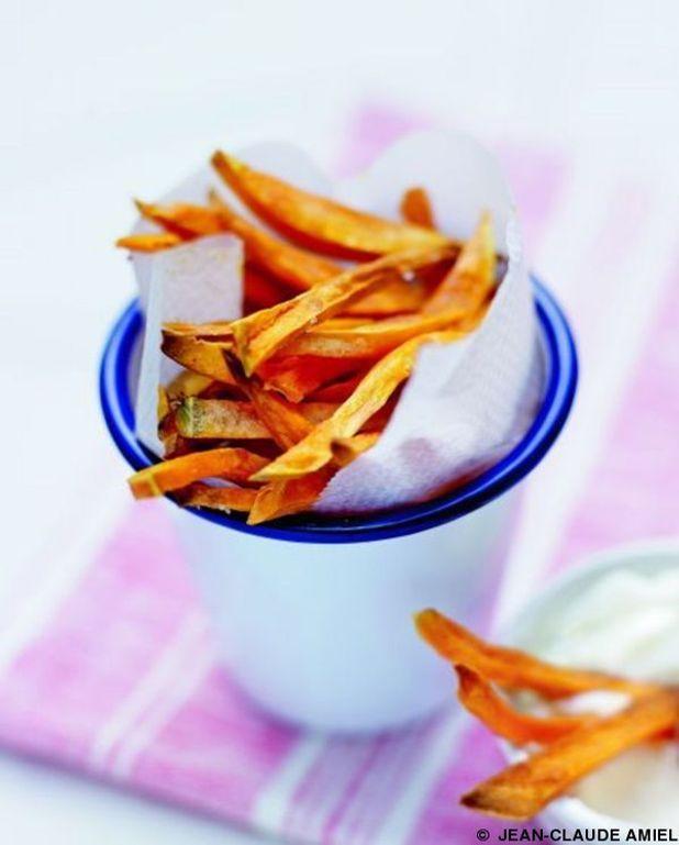 Frites de patates douces, sauce à l'ail