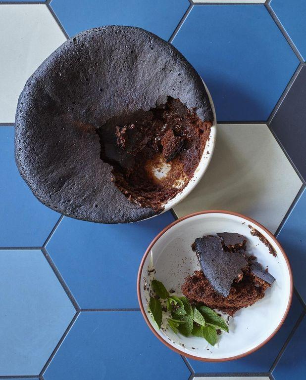 Gâteau au chocolat, crème épicée