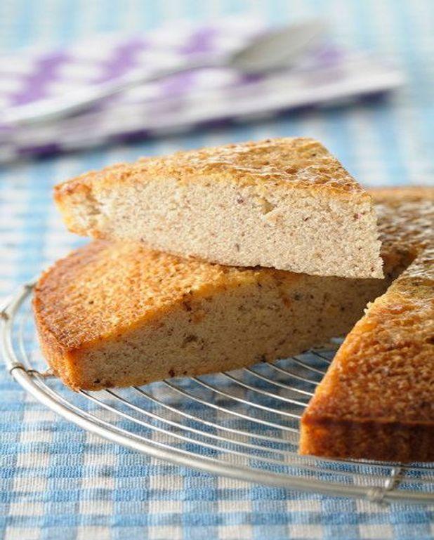 Gâteau de crêpes à l'ananas confit, sauce pina colada