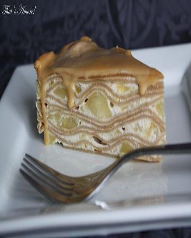 Gâteau de crêpes spéculos, pommes et caramel au beurre salé