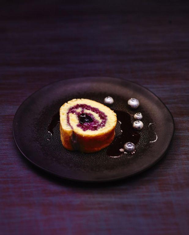 Gâteau roulé aux myrtilles