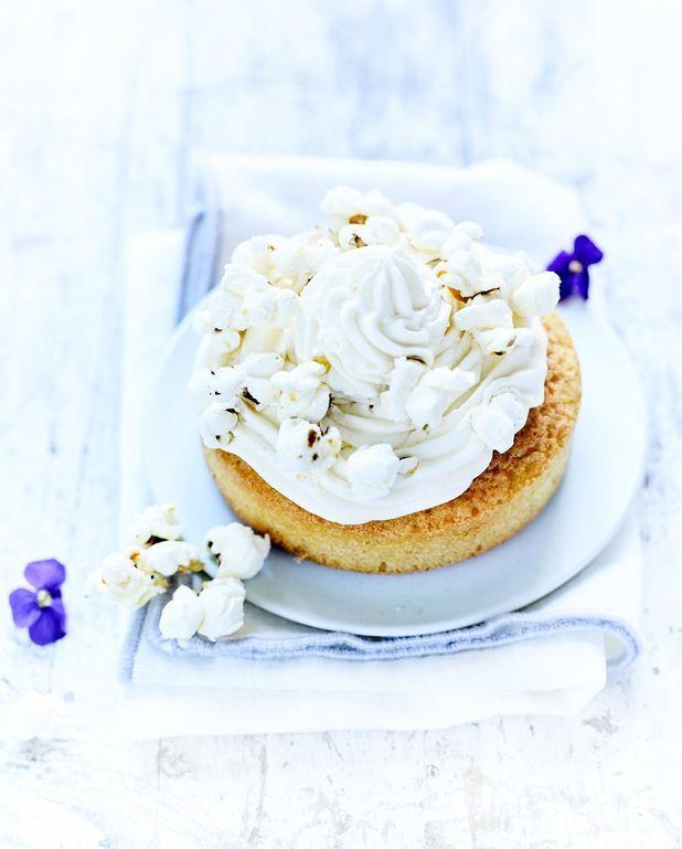 Gâteaux légers, pop-corn et crème
