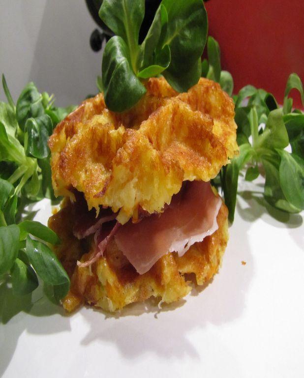 Gaufres salées aux pommes de terre façon hamburger