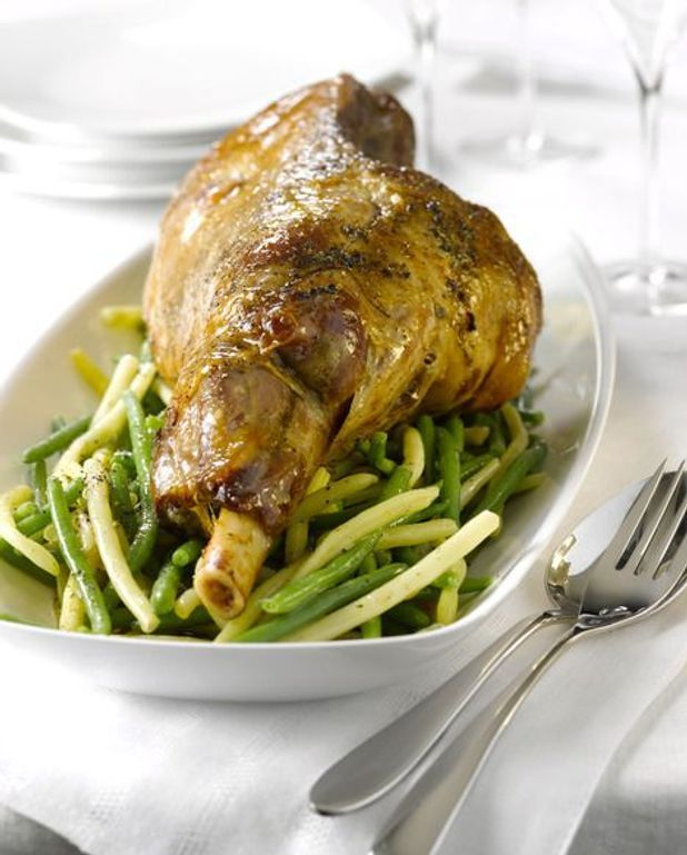 Gigot d'agneau aux légumes et croquettes d'ail