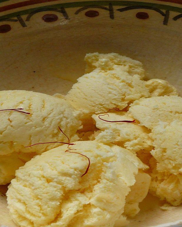 Glace au miel et safran