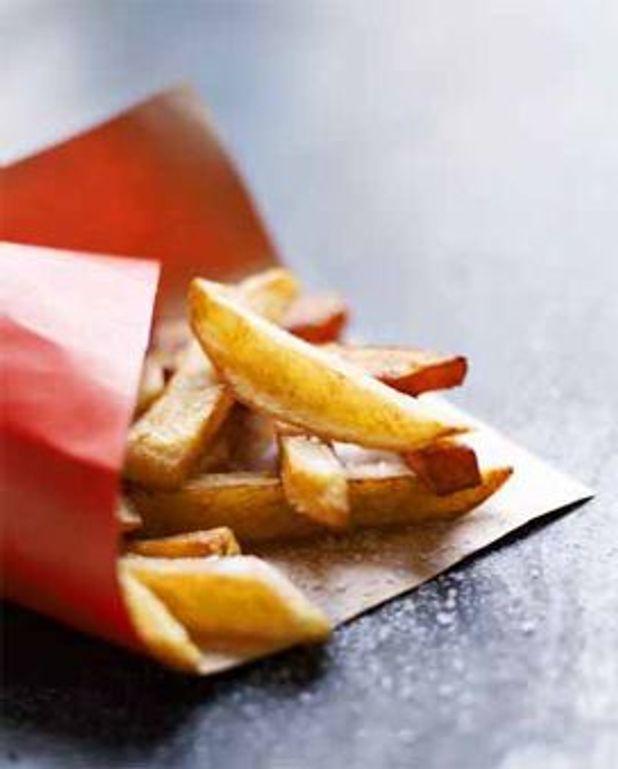 Grosses frites de pomme de terre et patate douce
