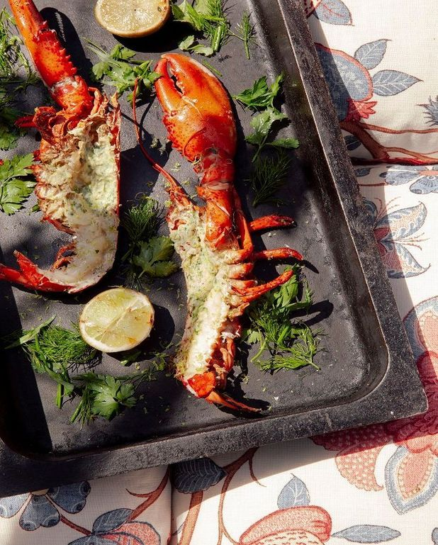 homard grill au barbecue pour 2 personnes recettes elle table. Black Bedroom Furniture Sets. Home Design Ideas