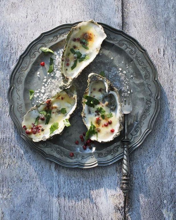 Huîtres gratinées sur fondue de poireaux