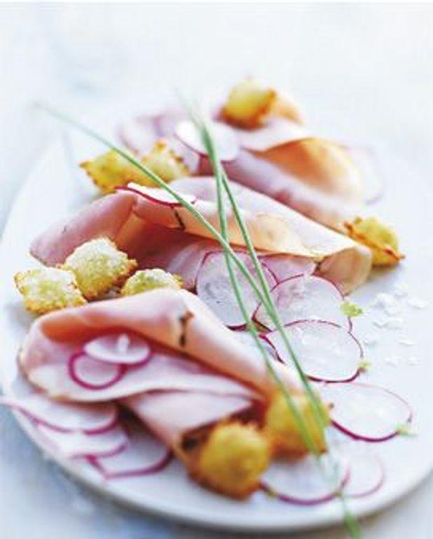 Jambon aux herbes, radis et ravioles croustillantes