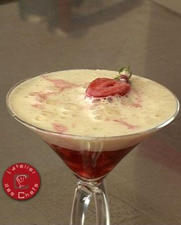 Jus de fraises, fraises gariguettes et émulsion vanille