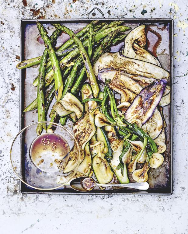 Légumes grillés, marinade à l'ail et sauce soja