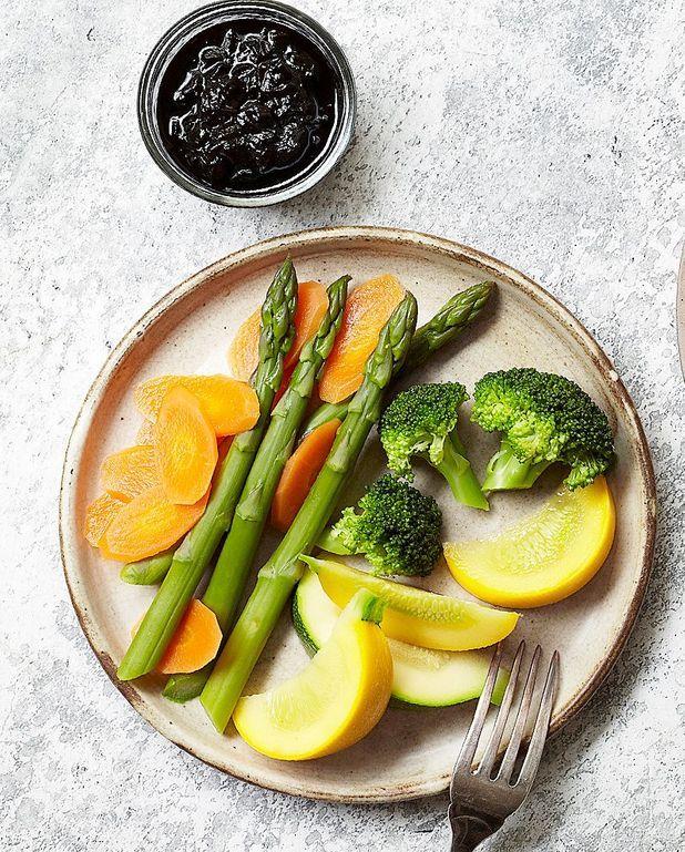 Légumes vapeur et confit d'oignons au soja