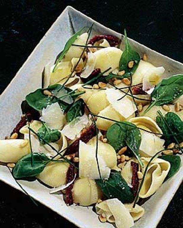 Lumaconi aux épinards et tomates