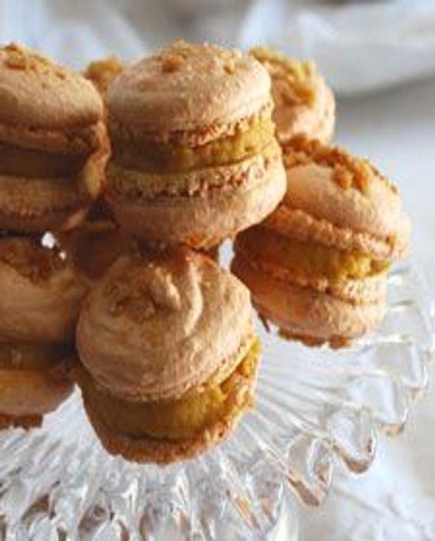 Macarons au caramel et fleur de sel