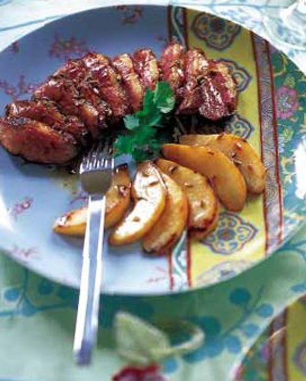 Magrets de canard aux poires et au sake
