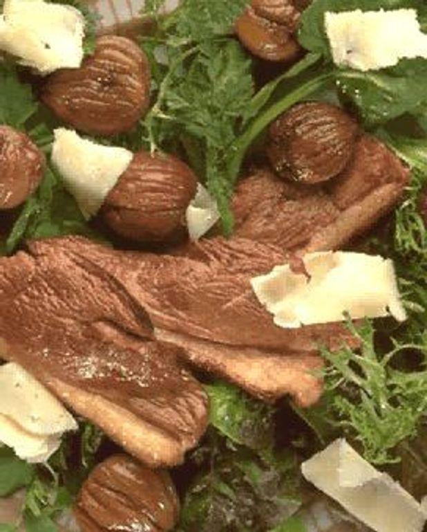 Magrets de canard en salade