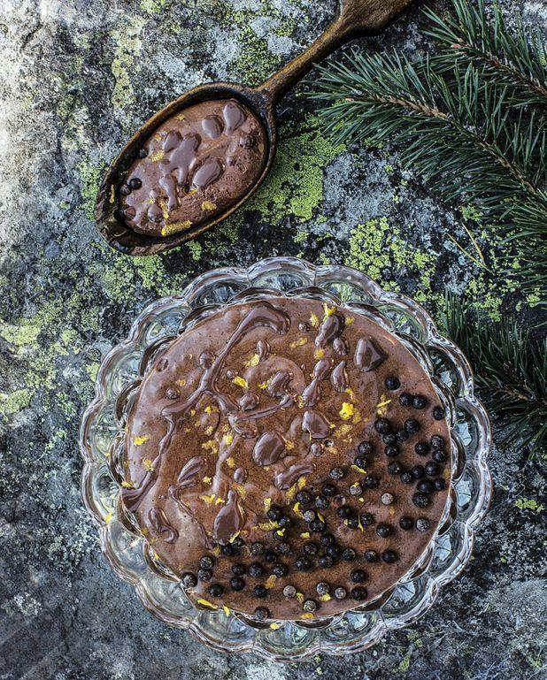 Mousse au chocolat et citron, sauce chocolat