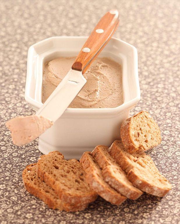 Mousse de foie de volaille à la crème fraîche et au vin blanc