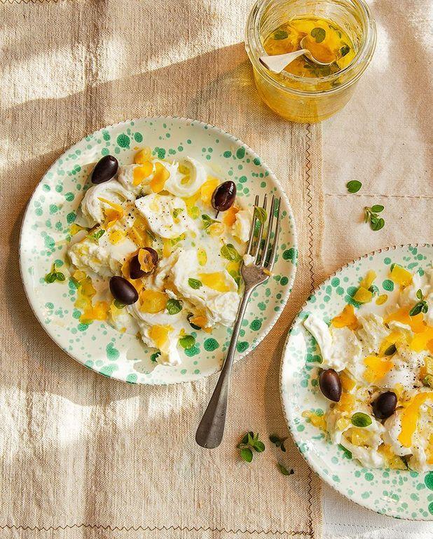 Mozzarella marinée au citron confit, origan et poutargue