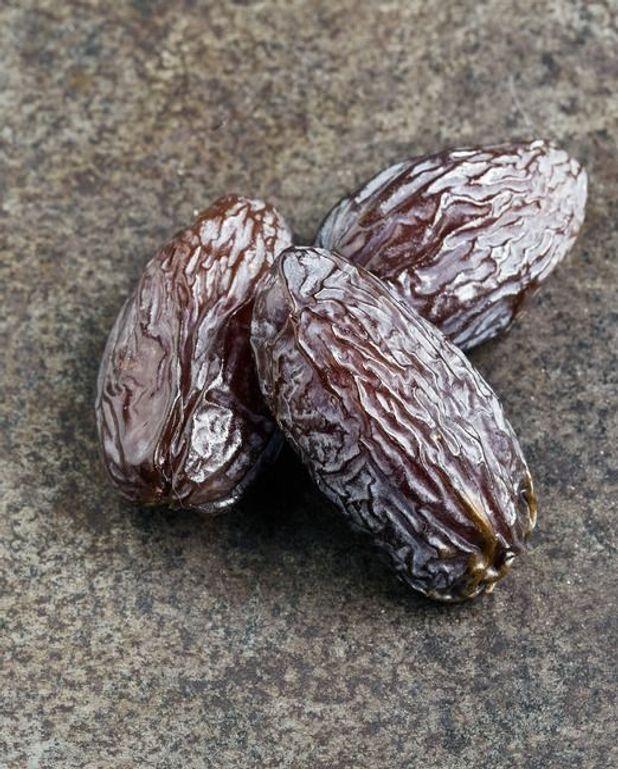Muffins aux dattes raisins et café