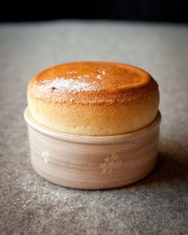 Myrtilles, biscuit soufflé du chef Emmanuel Renaut