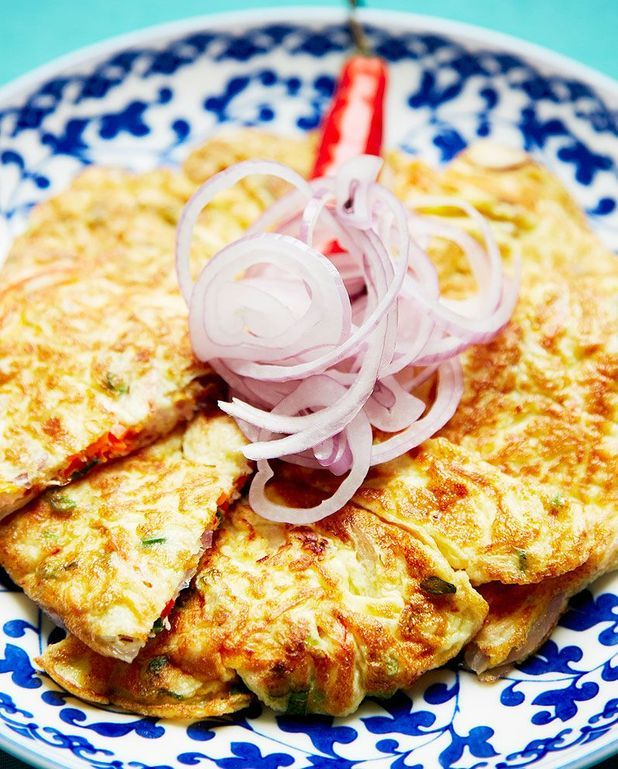Omelette à la pâte de crevettes