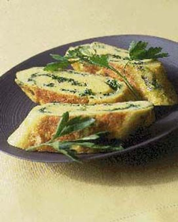 Omelette roulée fromage et fines herbes