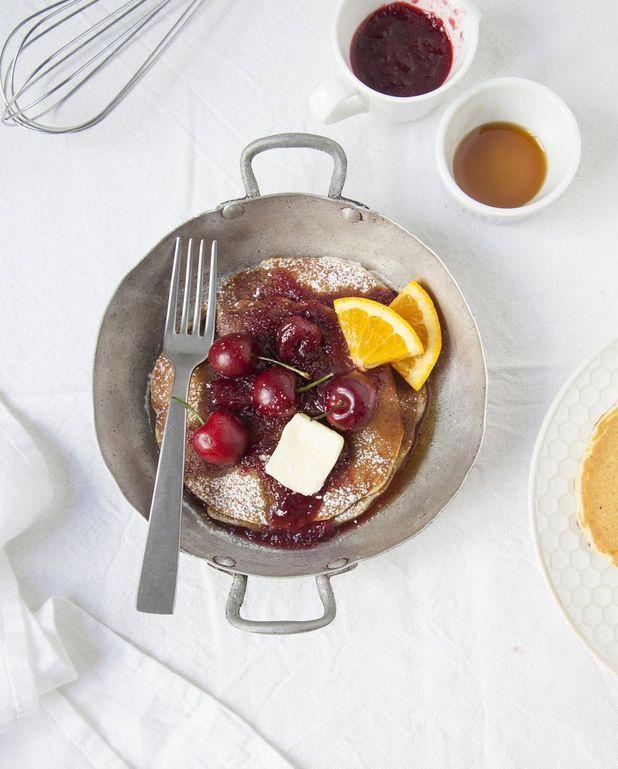 Pancakes, sauce aux cerises