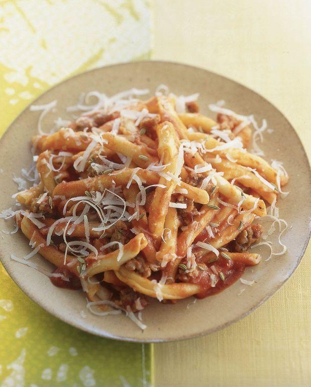 Pâtes à la tomate, saucisse et fenouil