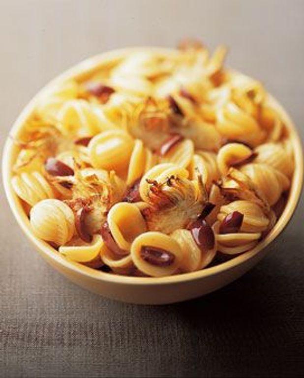 Pâtes aux artichauts violets et aux olives