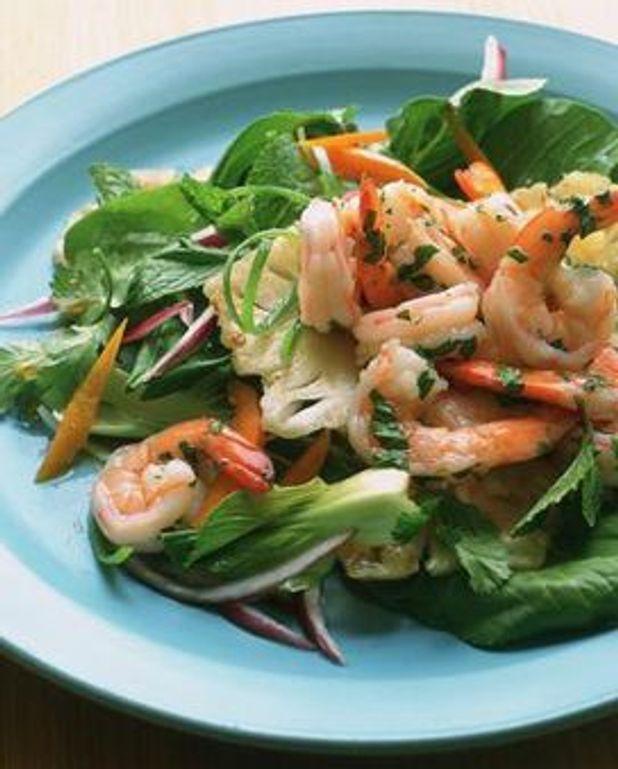 Petite salade de mâche, crevettes roses et vinaigrette aux agrumes