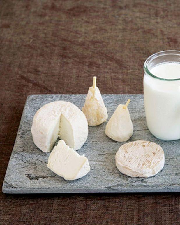Petits fromages de chèvre et poivrons marinés