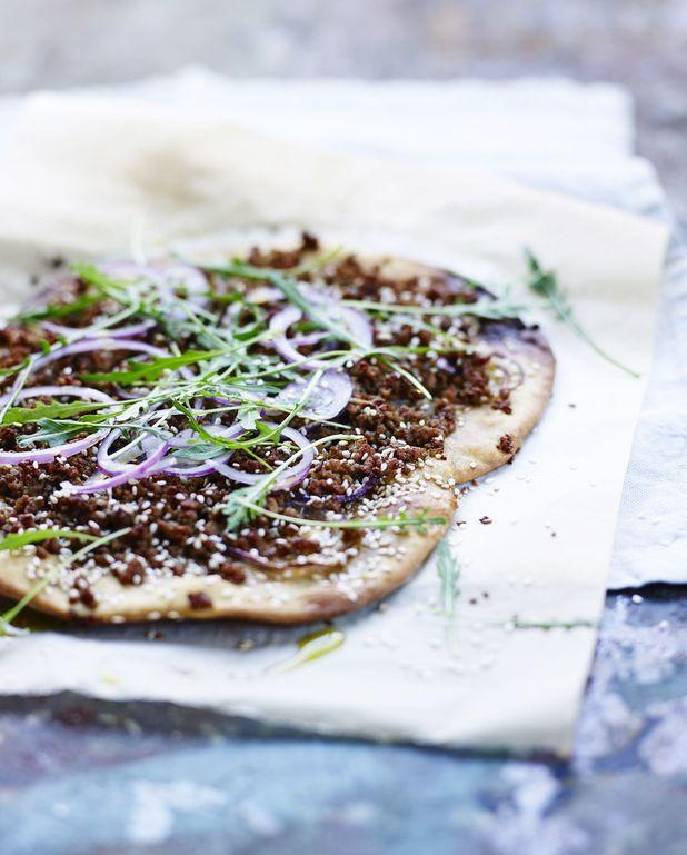 Pizza à l'agneau haché