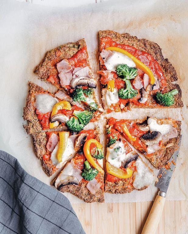 Pizza avec pâte à la courgette